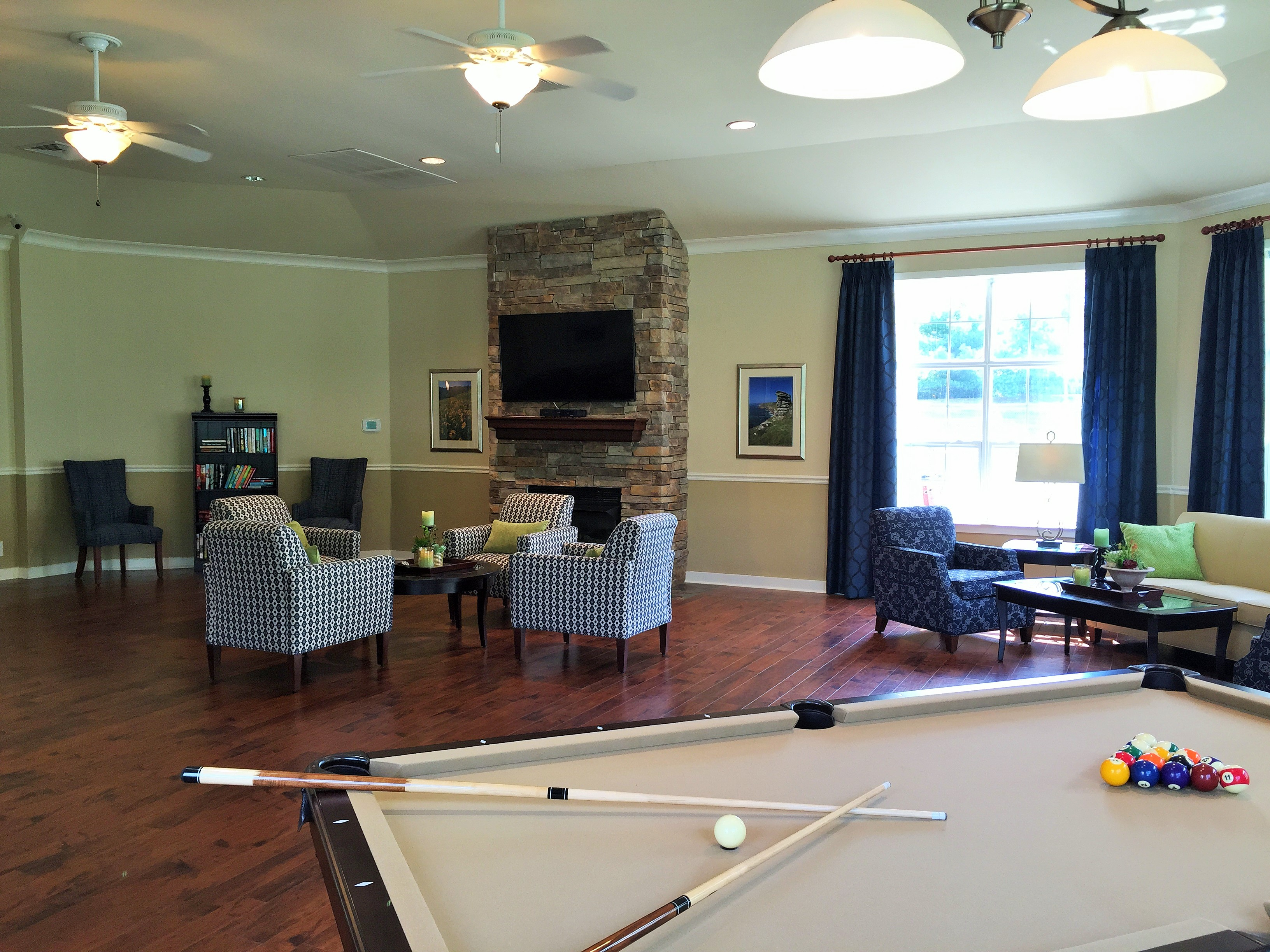 The club at main street apartment living at its finest for The family room main street